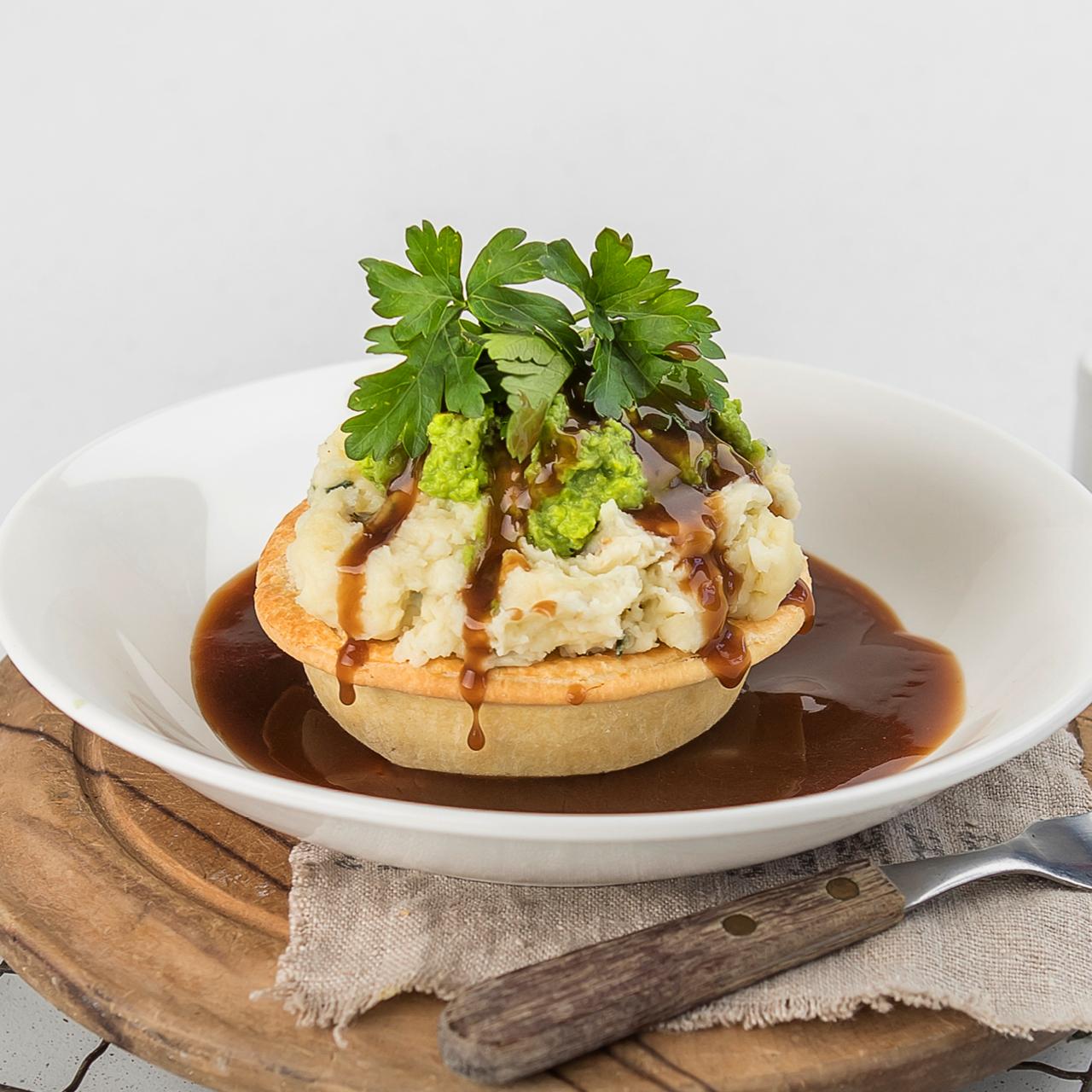 Pie with Mushy Peas, Mash & Gravy