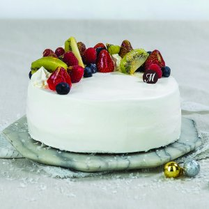 Seasonal Fruit Vanilla Sponge Cake