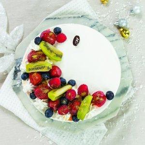 Seasonal Fruit Vanilla Sponge Cake
