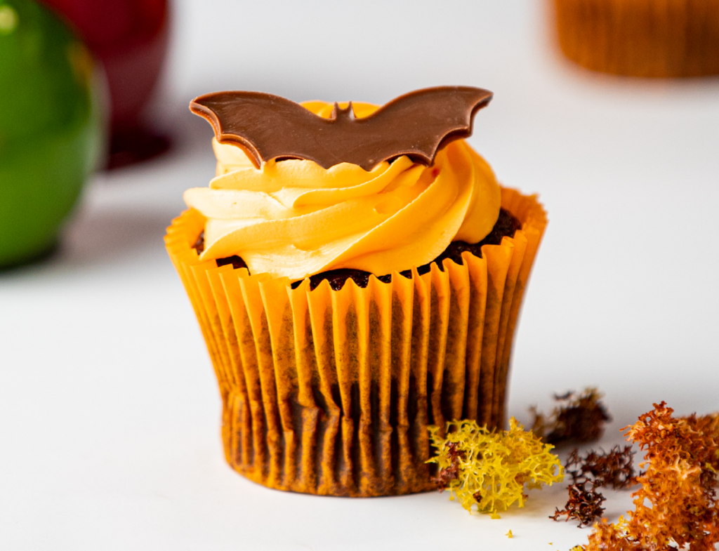 Spooky Batcake Cupcake